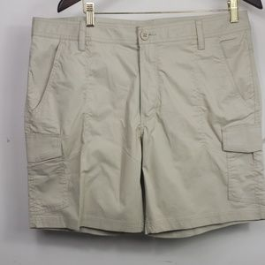Mens Columbia omni-shade khaki cargo shorts sz 38